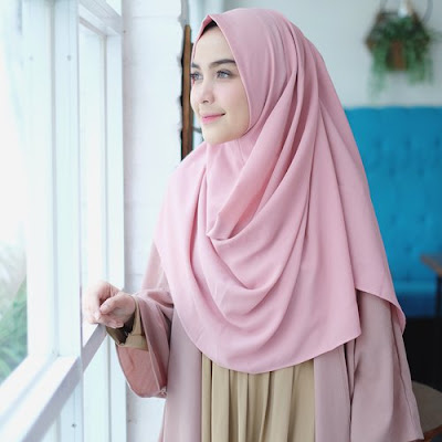 Selebgram yang Bisa Menjadi Role Model Gaya Fashion Hijab