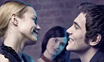 Tips Bikin Wanita Lain Takut Menggoda Kekasih Anda