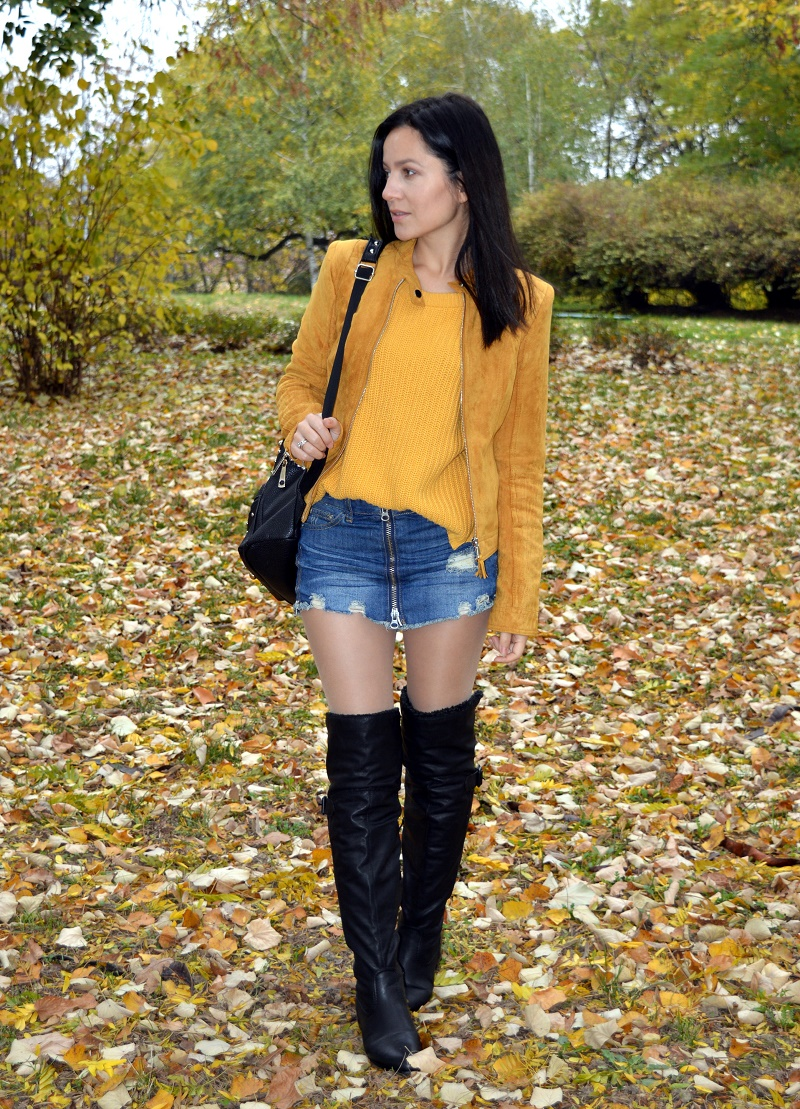 yellow jacket and denim skirt fall ootd