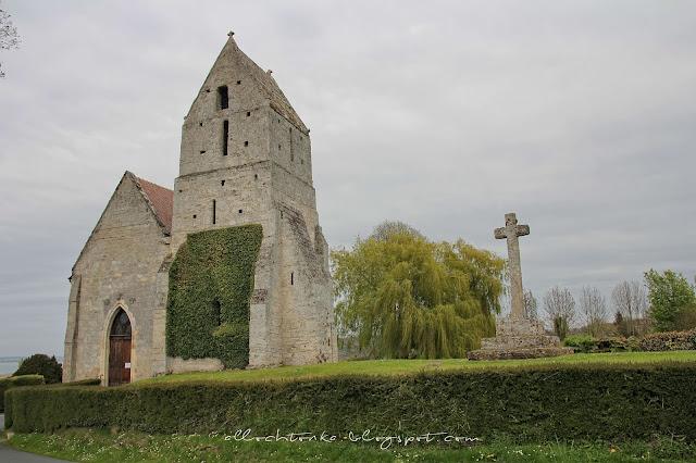 Sielska wieś w Normandii