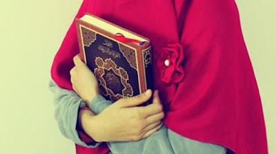 apa itu hijab dan mengapa wanita perlu berhijab ?