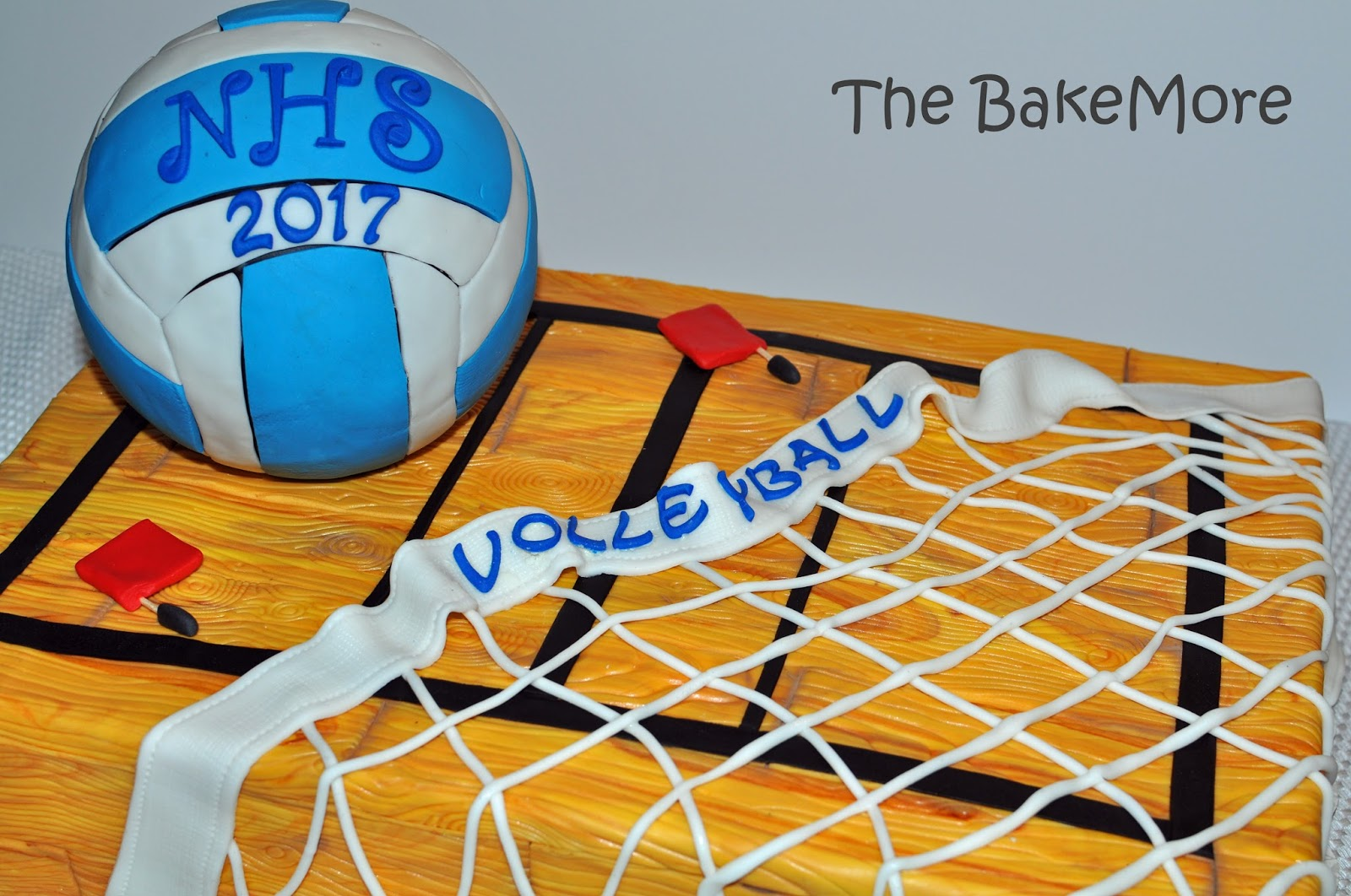 How to make a volleyball cake