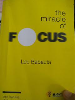 BUku Focus, Leo Babauta, Podomoro teknik, belajar fokus, fokus dan distraksi, fokus, fokus dan produktif,