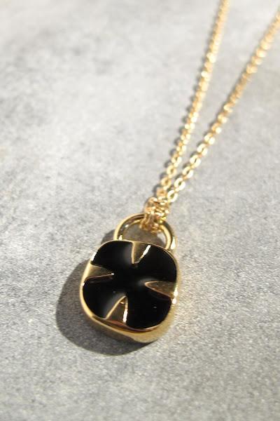 Collier Médecine Douce bijoux Oscar noir