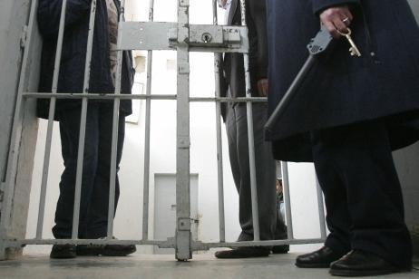 """""""الفقيه اللي نتسناو براكتو"""" اعتقال موظف بالسجن بتهمة تمرير كمية من المخدرات ببرشيد"""