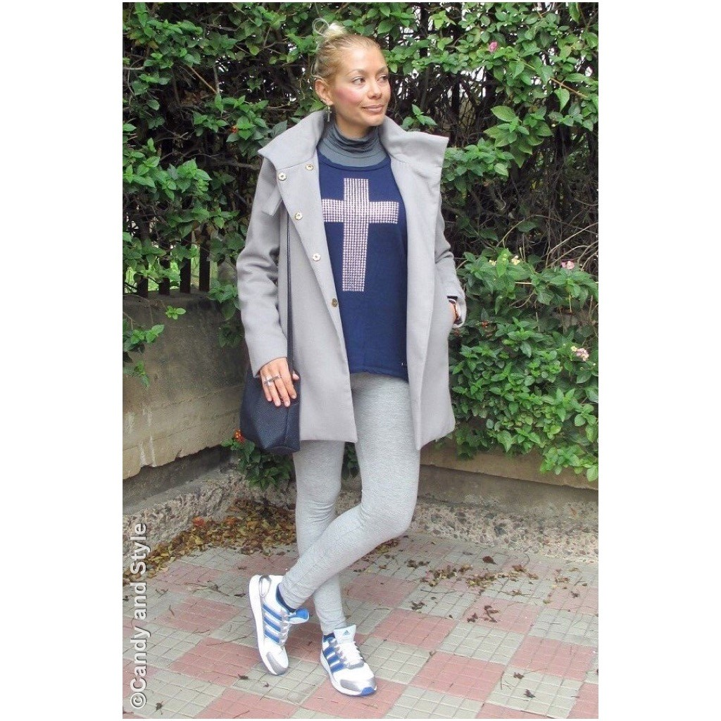 Sporty Chic - Coat+Sweatshirt+Trainers