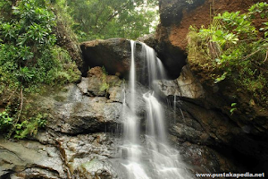 Rute, Lokasi, Foto dan Harga Tiket Masuk Air Terjun Seribu Batu