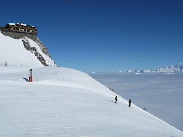 Above the clouds on Saulire (Les Trois Vallees)