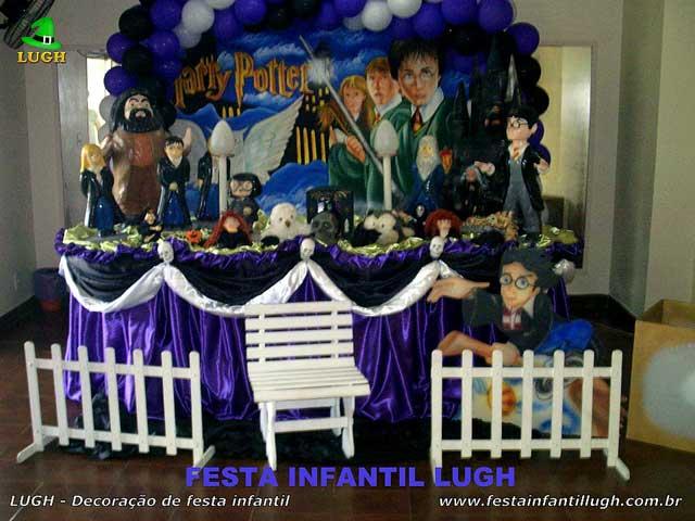 Decoração festa de aniversário - Mesa tradicional de tecido(pano) tema Harry Potter