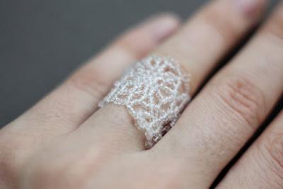 оригинальное эксклюзивное кольцо из бисера купить россия