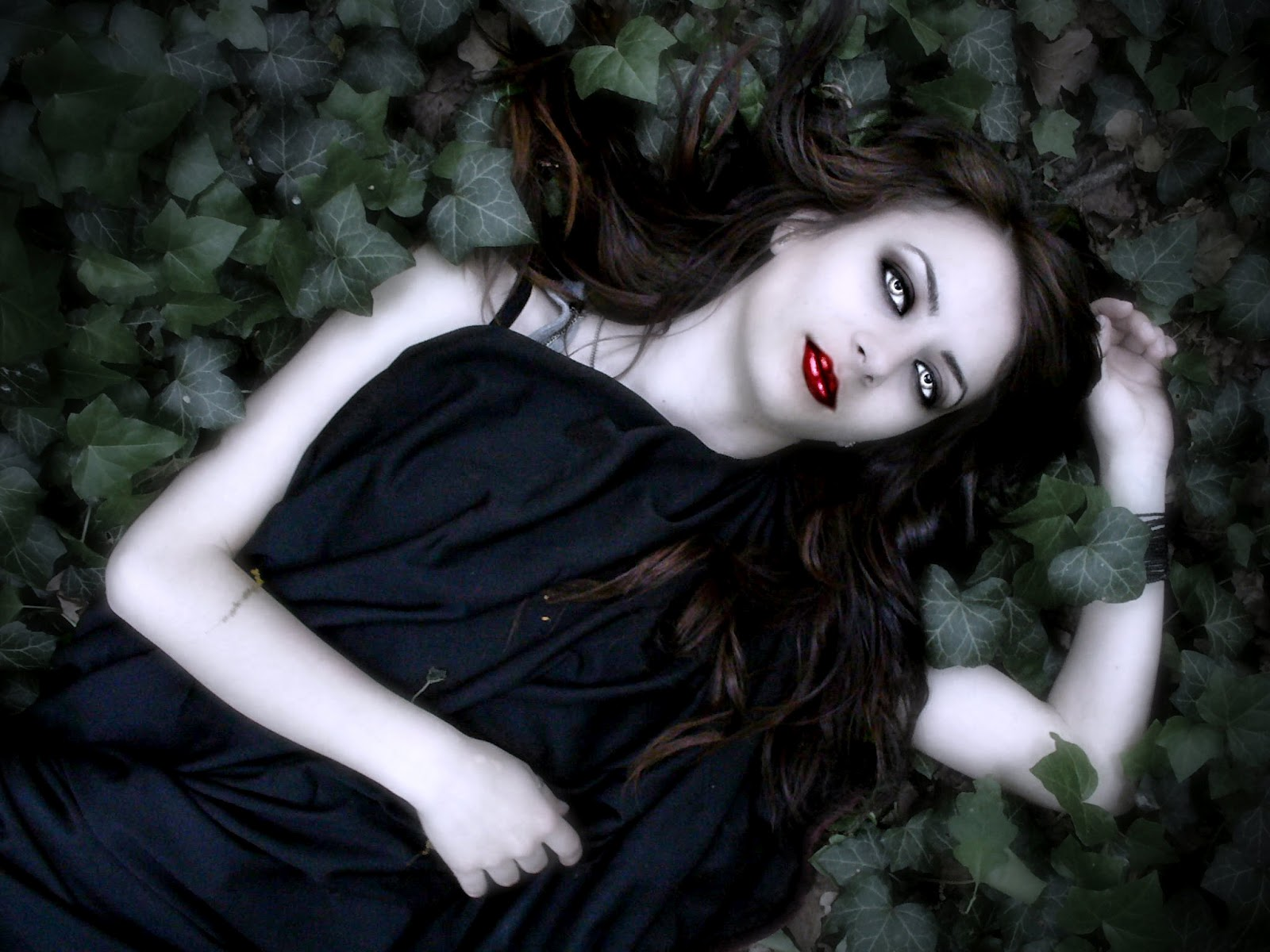 New Art Funny Wallpapers Jokes: Vampire Dark Girl ...
