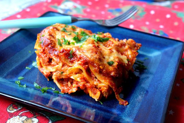 lasagne bolognese,sos do lasagne,szynka włoska,handerek,wędliny,parmezan,parmiggiano reggiano,pecorino,kuchnia włoska,cucina italiana,vino rosso per lasagne