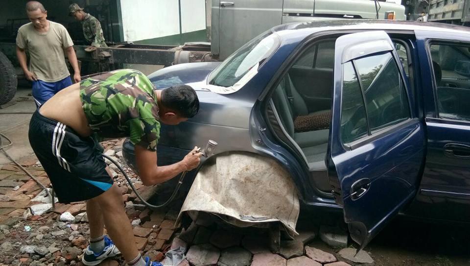 Tak Disangka, Mobilnya Ditabrak Truk TNI Namun Korban ini Malah Bangga dan Statusnya Jadi Viral