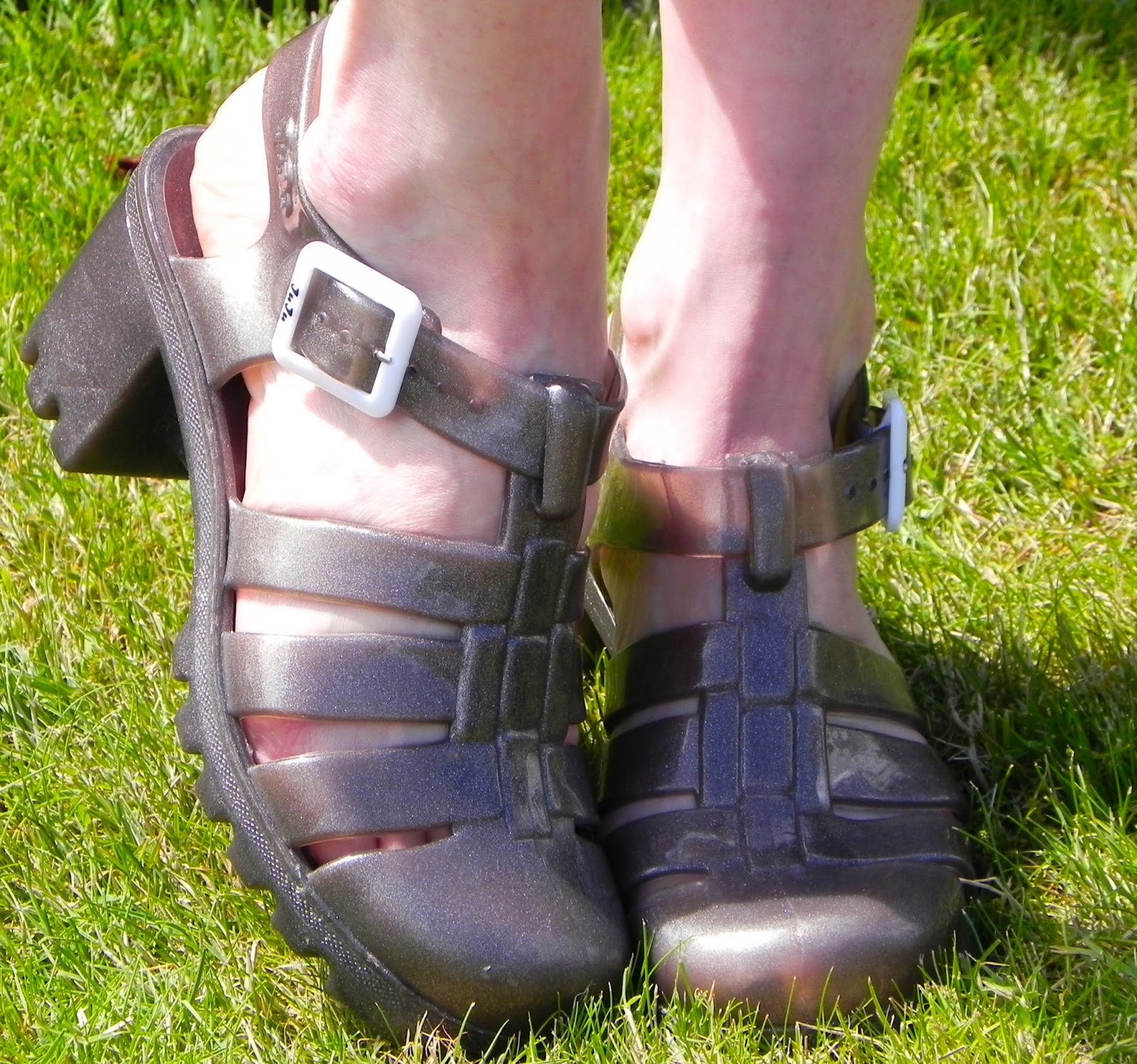 JuJu jelly shoes, silver grey....over 40.