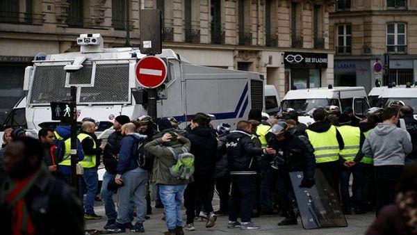 Policía francesa detiene a 278 manifestantes en París