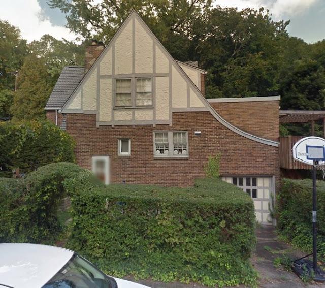 right side elevation showing tuck-under garage of Sears Elmhurst 412 Edgeworth Lane Sewickley PA