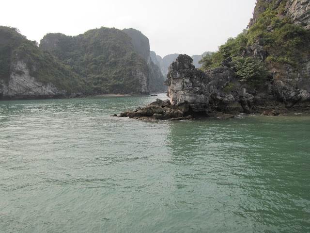 rock formations halong bay vietnam