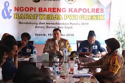 Jelang Pemilu 2019,  Kapolres Ajak PWI Gresik Ngopi Bareng