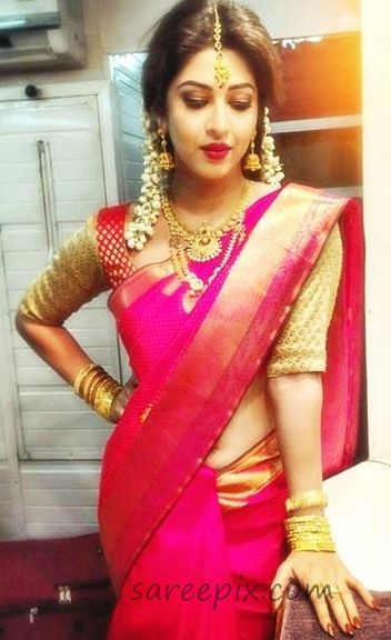 Simple Different Traditional Saree Hairstyle Pictures Www