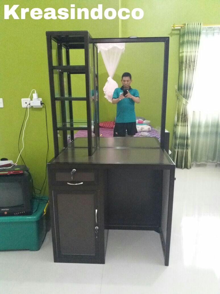 Meja Rias Aluminium Kami Siap Menerima Pesanan Anda