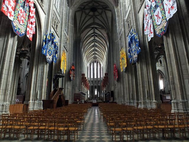 interior de la catedral de Orléans