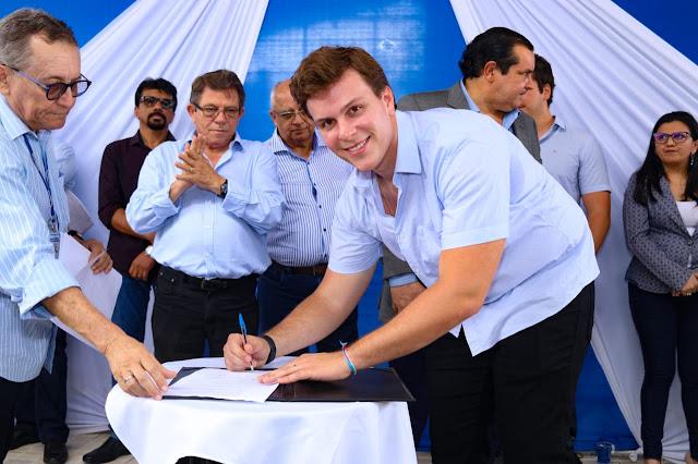 Miguel Coelho e ministro da Integração celebram convênio de R$ 17,2 milhões para abastecimento e infraestrutura de Petrolina