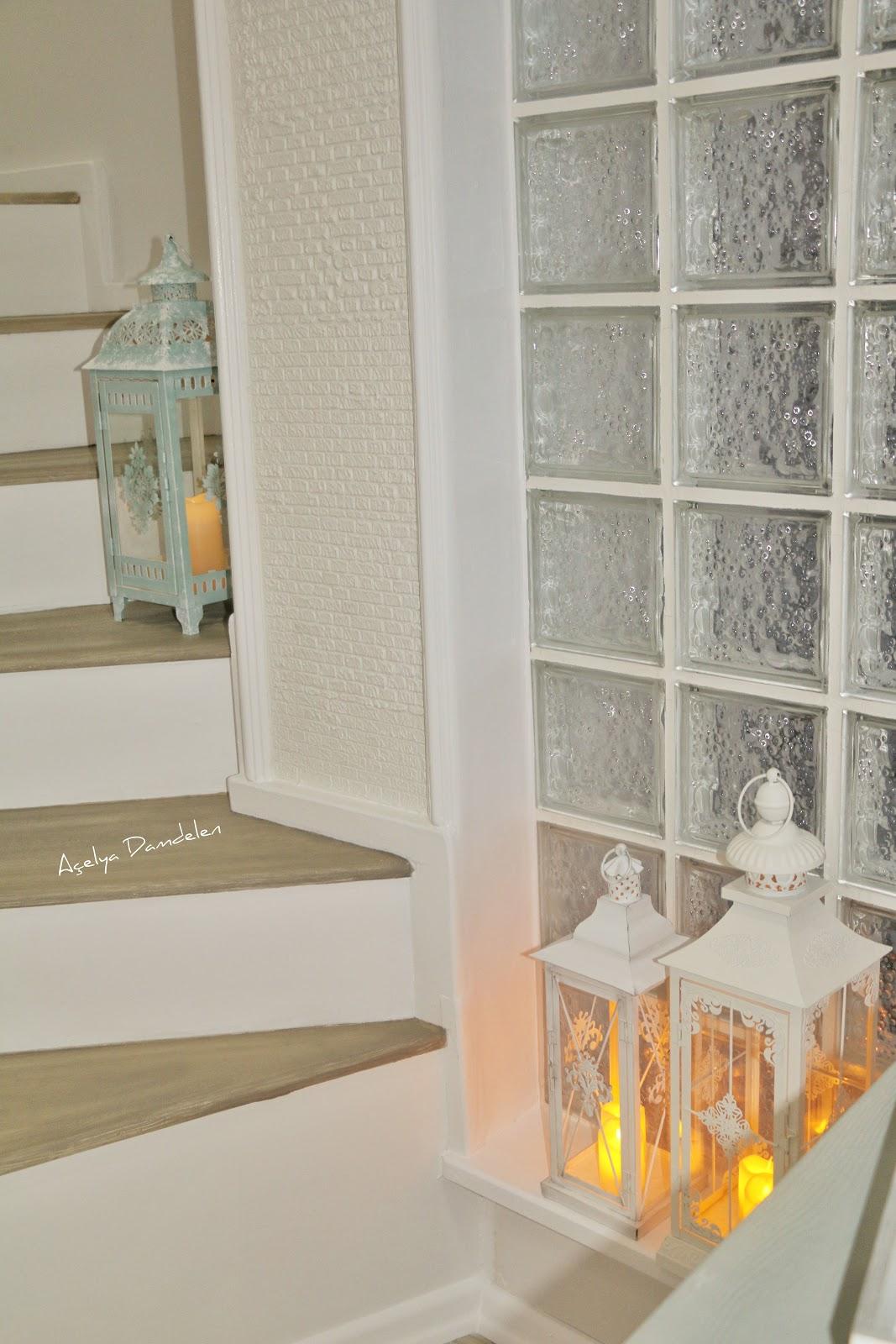 Merdiven Boyama Dekoratif Taş Duvar Yapılışı Beyaz Mucizeler