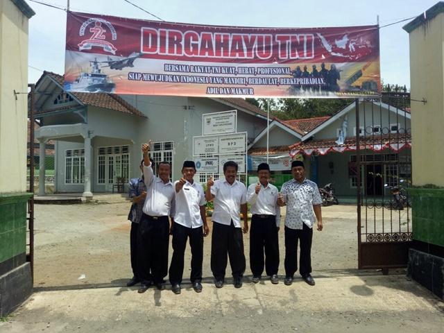 Banner HUT TNI