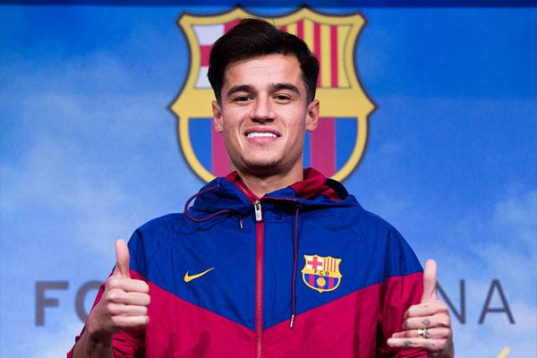 Coutinho cười rạng rỡ trong ngày ra mắt Barcelona 5