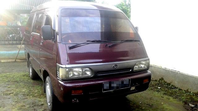 Daihatsu Zebra minibus Indonesia
