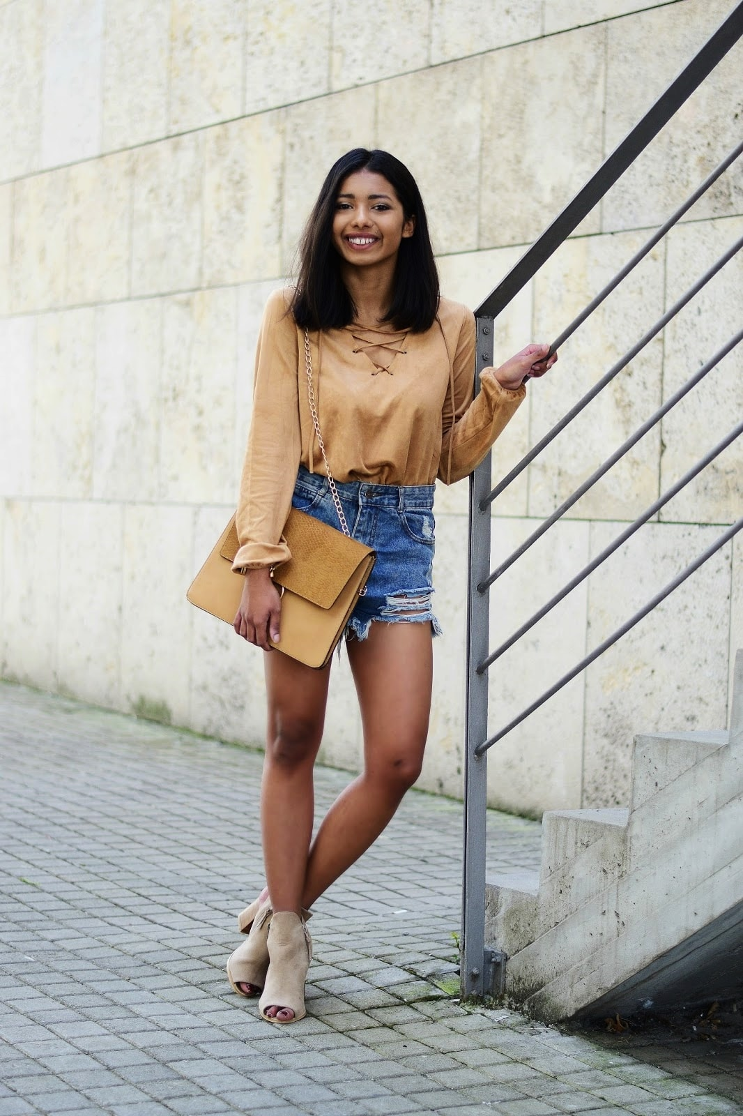 how to wear lace up blouse with shorts