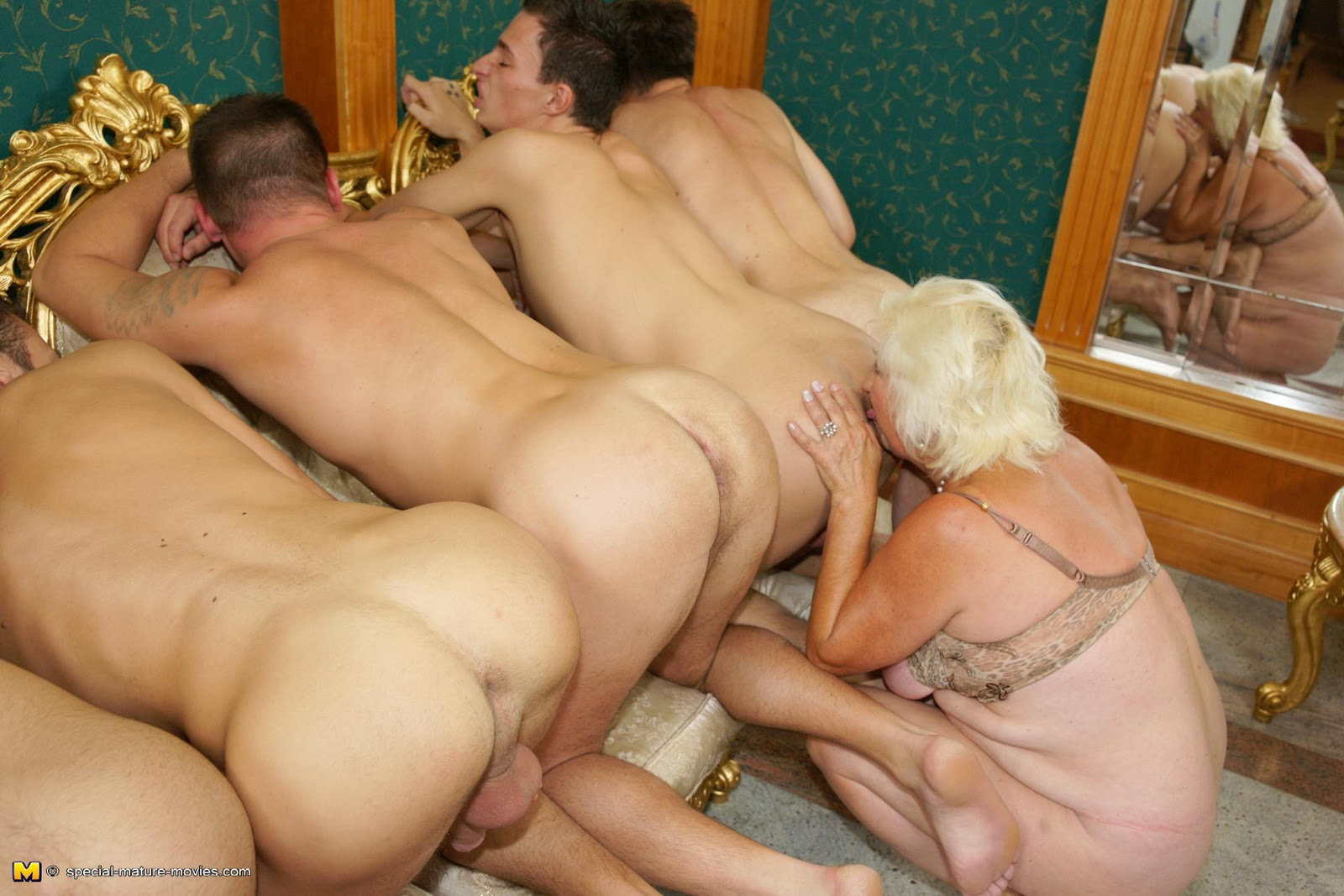 Grannies Licking Ass 84