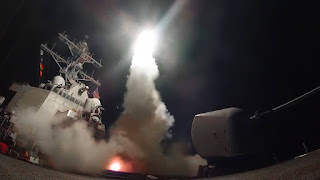 Peluncuran Rudal Tomahawk dari Kapal Perang AS