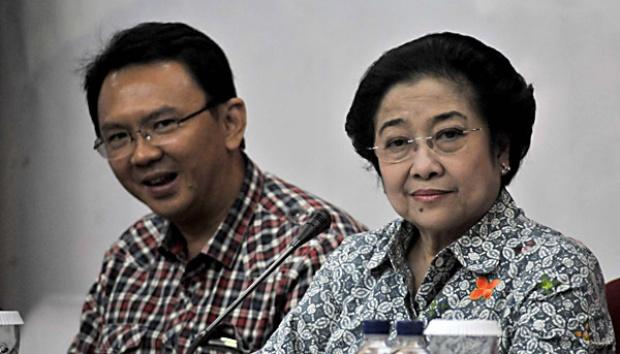 PDIP Masih Buka Pintu buat Ahok, Asalkan - Basuki Tjahaja Pernama (Ahok) bersama ketua DPP PDI Perjuangan Megawati Soekarnoputr