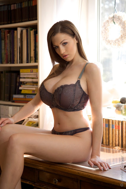 hot-jordan-carver-table-sexy-photo-shoot-hd-11