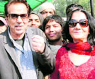 Dharmendra Family Wife Son Daughter Father Mother Marriage Photos Biography Profile