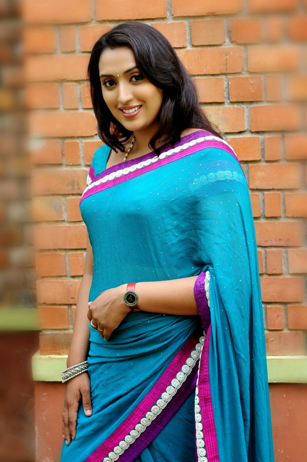 Malayalam TV Serial Actress Hot Navel Show Photos ...