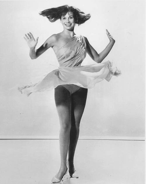 Mary Tyler Moore Sexy 90