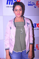 Sree Mukhi at Meet and Greet Session at Max Store, Banjara Hills, Hyderabad (40).JPG