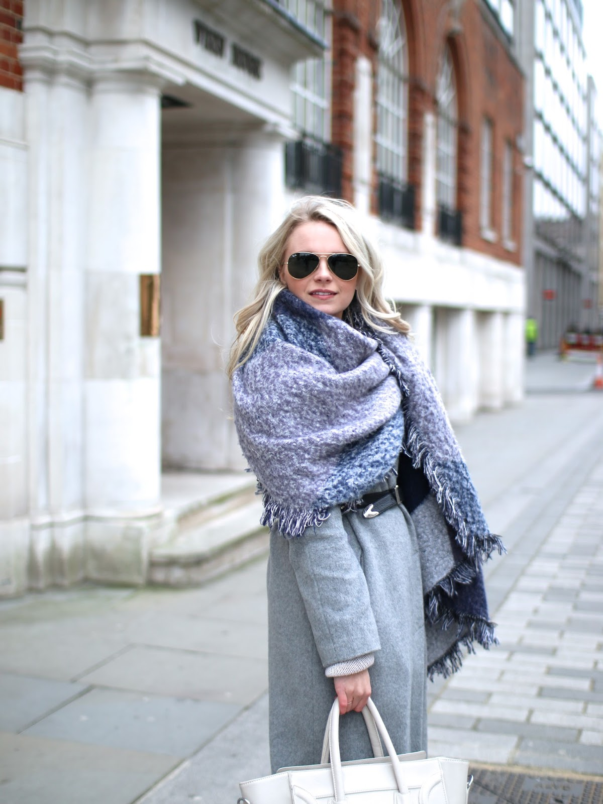 how to style a neutral toned outfit