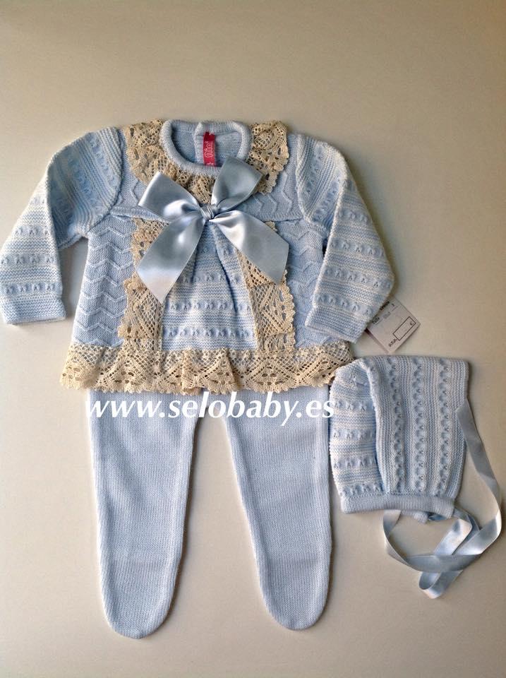 70609bd67 Se trata de conjuntos y vestidos de primera puesta y abrigos para los  chiquitines de la casa.