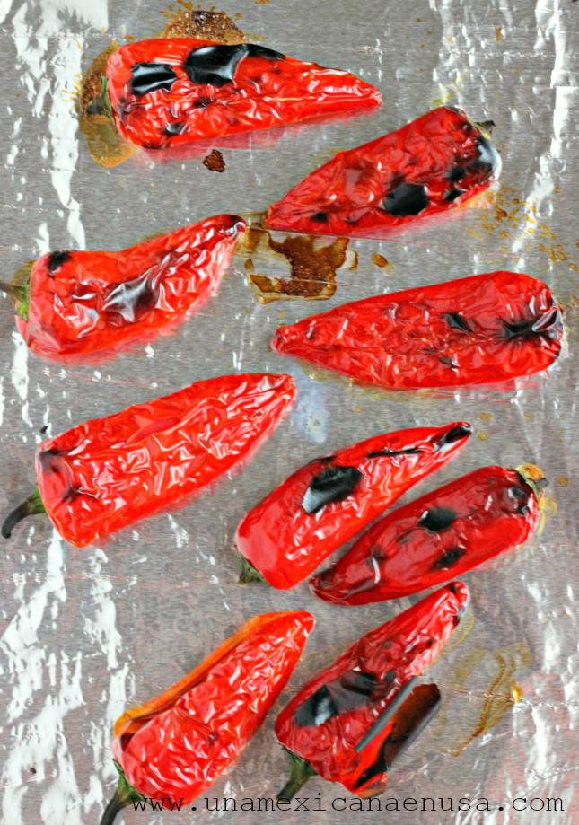 Salsa de chiles jalapeños rojos con aceite by www.unamexicanaenusa.com