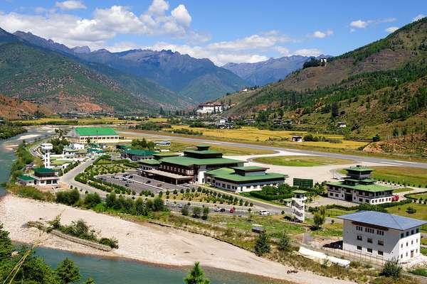 Bandara Paro, Bhutan