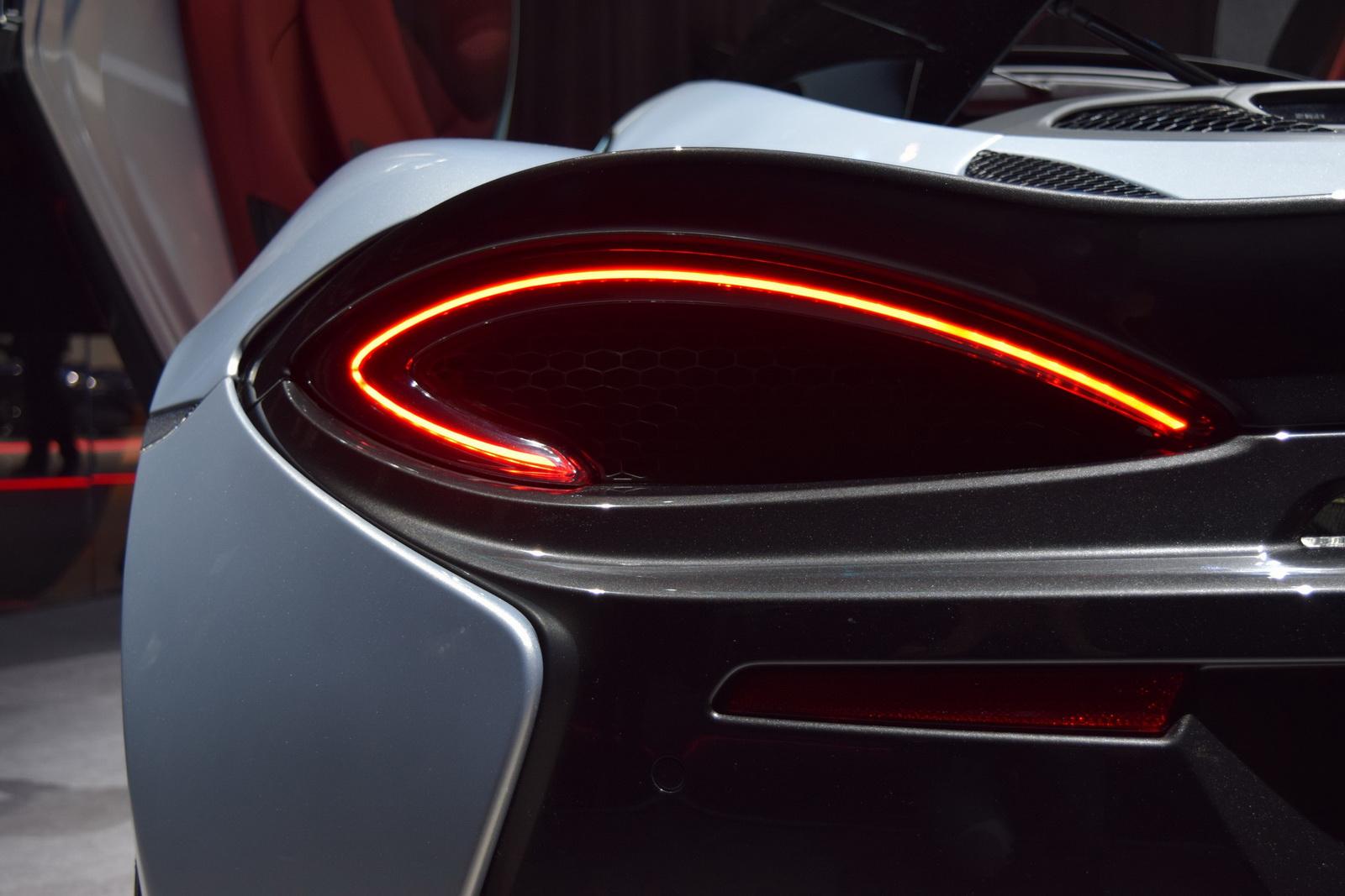 Siêu xe McLaren 570GT 2017 - Cá mập trắng của biển sâu