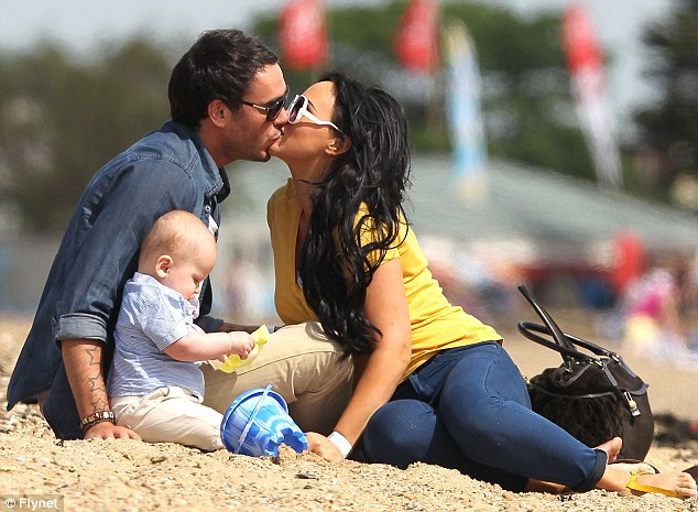 Chanelle Hayes and Jack Tweed make their rekindled romance official with romantic beachside display