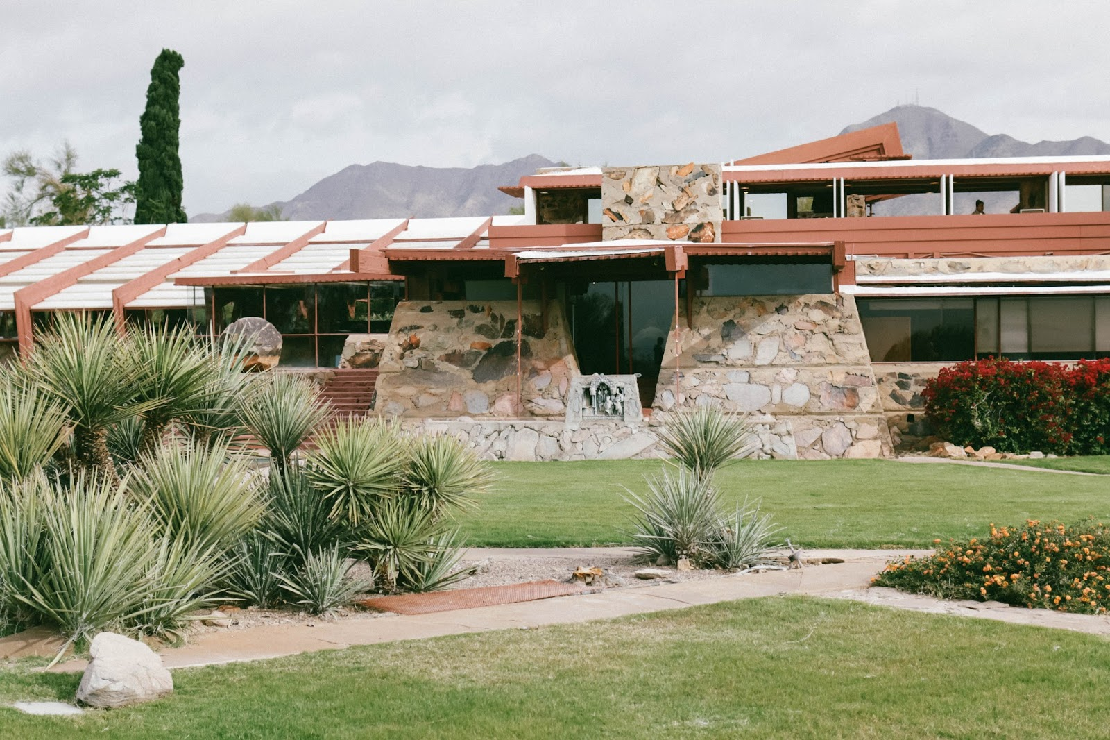 what to do in phoenix, arizona, visit, trip, vacation, hotel valley ho, review, cafe zuzu, frank lloyd wright, taleisin west, scottsdale, craft 64, travel, travel blog, travel blogger, hotel review, tips