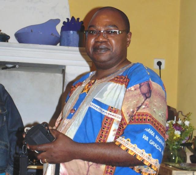 Le Père Roger Kumbu Situ
