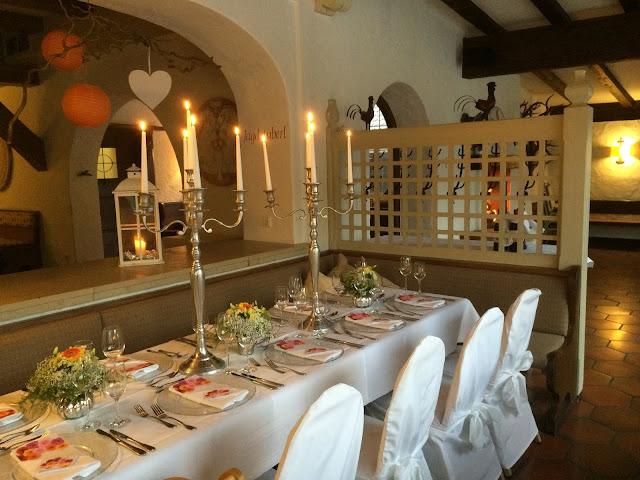 Dinner, Texas wedding in Germany, Bavaria, Garmisch-Partenkirchen, Riessersee Hotel, wedding destination location, wedding planner Uschi Glas, alps and lake-side wedding