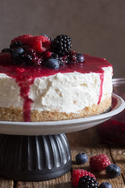 no bake mixed berry cheesecake