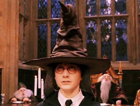 El Sombrero Seleccionador en Harry Potter y la Piedra Filosofal - Cine de Escritor